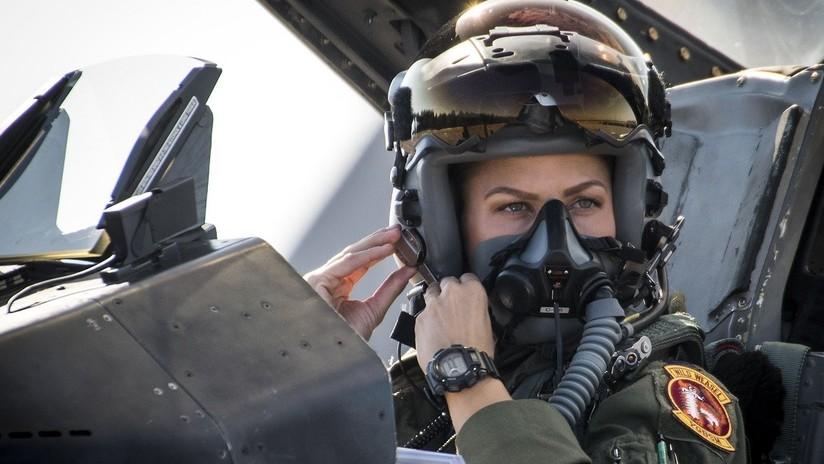 Destituyen a la primera jefa de un grupo aéreo militar de EE.UU. dos semanas después de su nombramiento