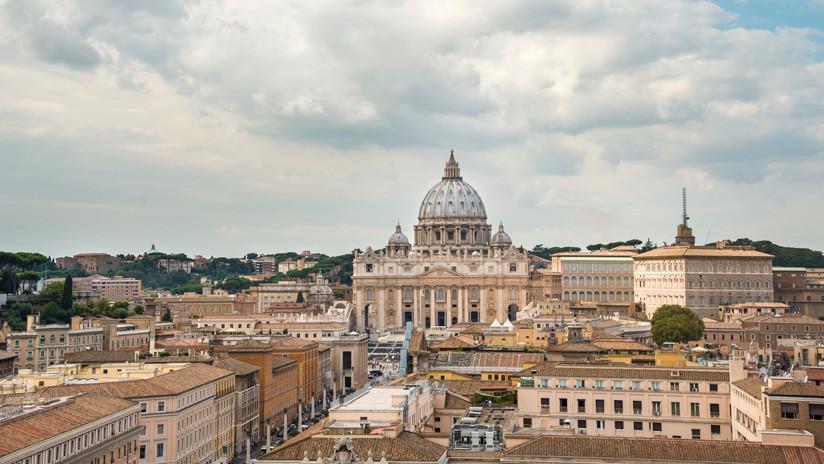 Denuncian que 80 % de los sacerdotes del Vaticano son homosexuales