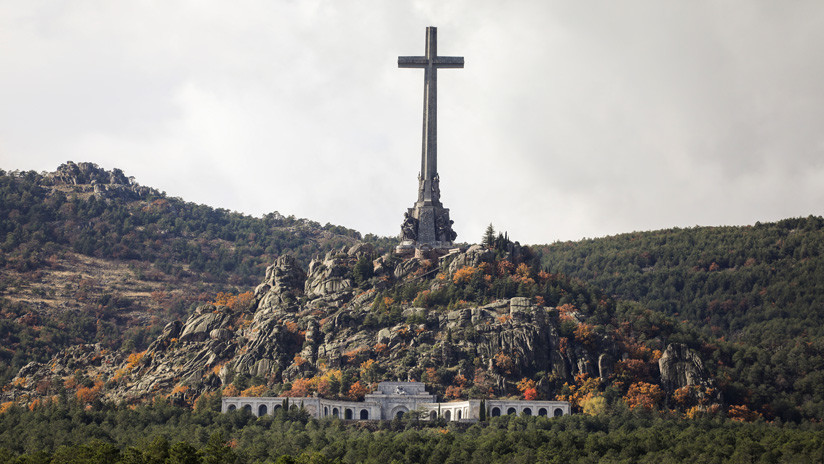 El Gobierno de España ordena la exhumación de Franco