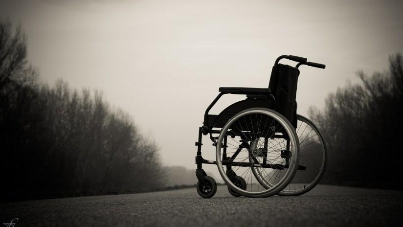 FOTOS: Joven brasileña queda de por vida en silla de ruedas tras hacerse un piercing en la nariz