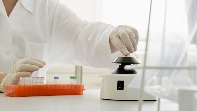Realizarán pruebas de ADN para comprobar si un médico de fertilidad concibió en secreto al menos 47 hijos