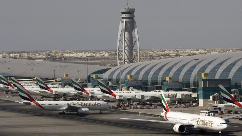 Cancelan vuelos en el aeropuerto de Dubái por presencia de drones en la zona