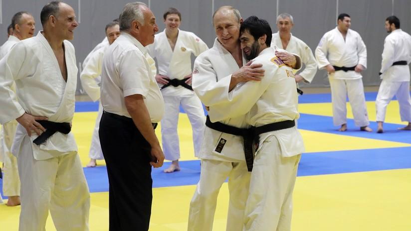 VIDEO: Putin se lesiona levemente durante un entrenamiento de judo en Sochi