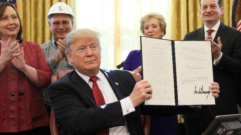 """Trump firma proyecto de ley que otorga al Departamento de Seguridad Nacional """"fondos críticos para proteger la patria"""" en la frontera sur"""