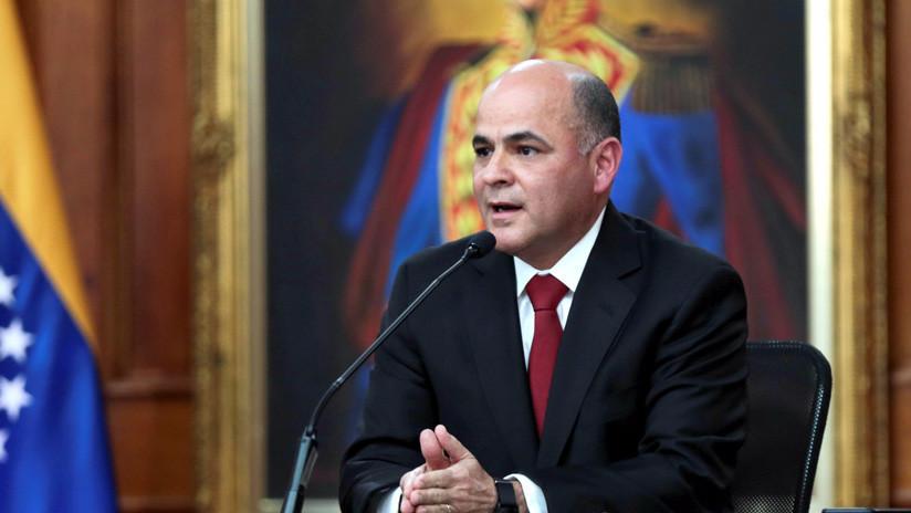 """Ministro de Petróleo de Venezuela afirma que fue sancionado """"por defender a PDVSA de ladrones"""""""
