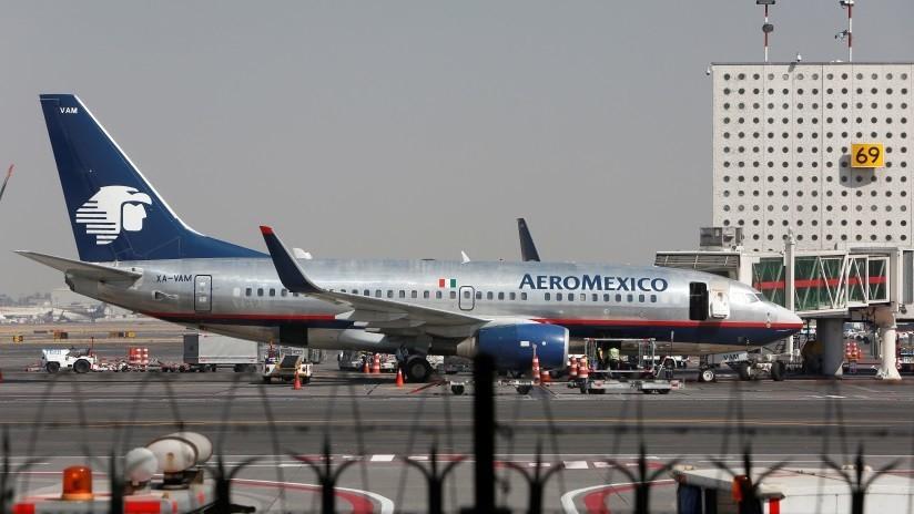 Detienen a un estafador que se hacía pasar por piloto de Aeroméxico y ofreció empleo a más de 50 personas a cambio de dinero