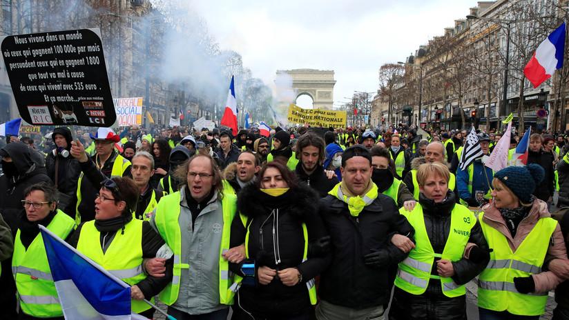 VIDEO: Los 'chalecos amarillos' salen a las calles de París cuando se cumplen tres meses de protestas