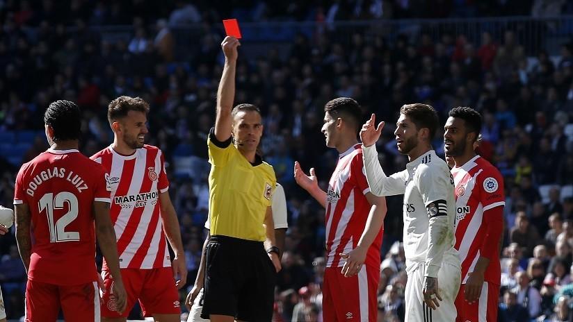 """""""Ramos siendo Ramos"""": El capitán del Real Madrid amplía su récord como el futbolista más expulsado de la Liga (VIDEO)"""