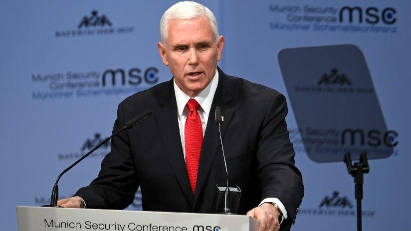 VIDEO: Pence vive momento incómodo al dar saludos de Trump en conferencia de seguridad y no recibir ni un solo aplauso
