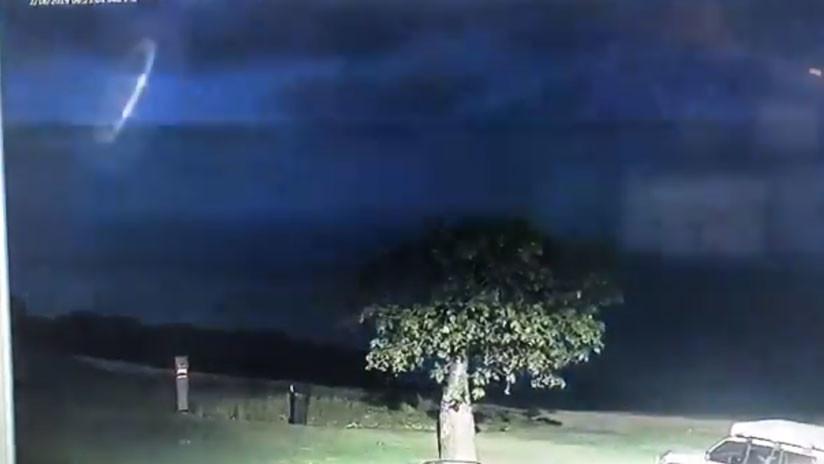 ¿No estamos solos? La Policía de Australia publica imágenes de un extraño objeto surcando el cielo