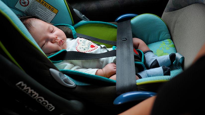 Presos de Florida rescatan a una bebé atrapada en una camioneta