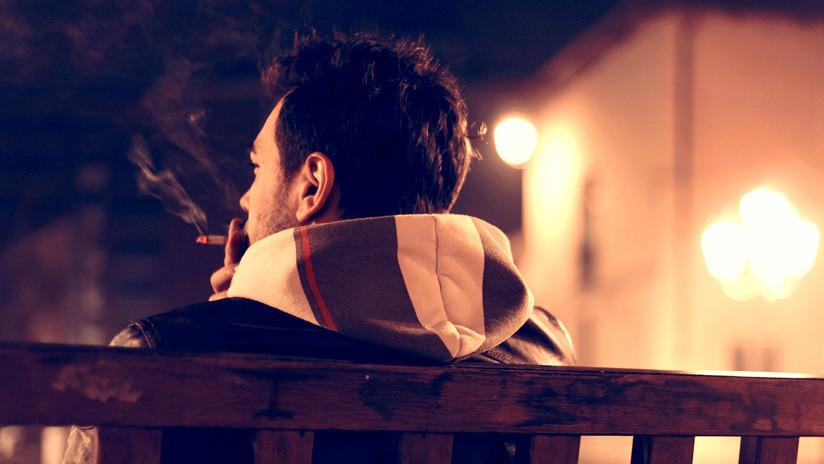 Descubren que fumar 'apaga' la capacidad de ver colores