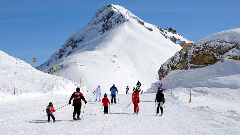 Varias personas sepultadas tras una avalancha de nieve en una estación de esquí en Suiza