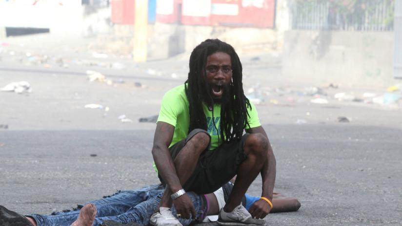 Violencia, saqueos y barricadas en llamas: Las protestas antigubernamentales de Haití, en imágenes