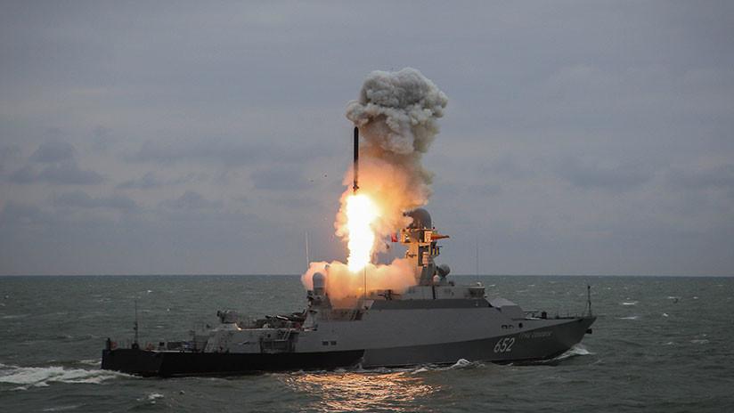 """Putin: """"Las características de las armas rusas permiten que sus portadores se coloquen en aguas neutrales"""""""