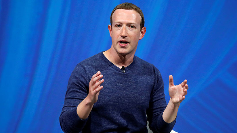Zuckerberg reprueba la intromisión de cámaras en el hogar y le recuerdan que Facebook vende ese tipo de dispositivos