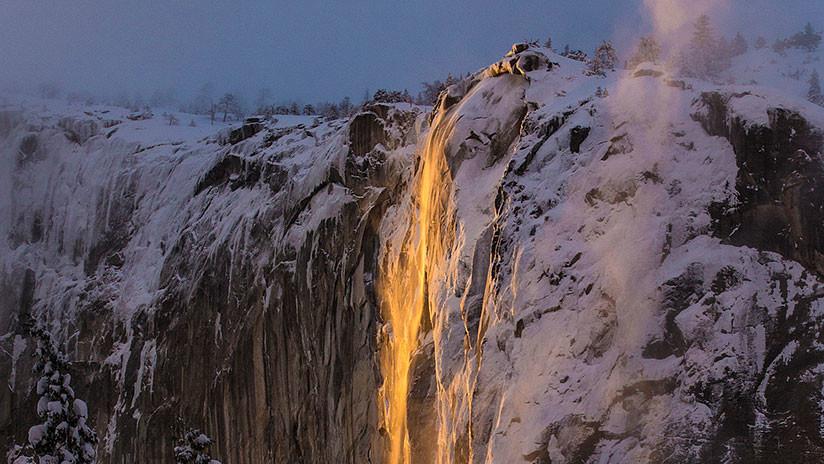 La 'cascada de fuego' de un parque nacional de EE.UU. vuelve a fascinar (FOTOS)