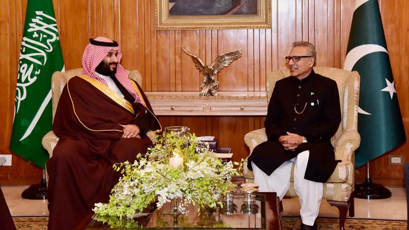 """""""¡Periodistas, tengan cuidado!"""": Pakistán regala un subfusil de oro al príncipe saudita y la Red salta"""