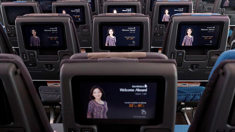 FOTOS: Pasajero descubre una cámara oculta a bordo de un avión