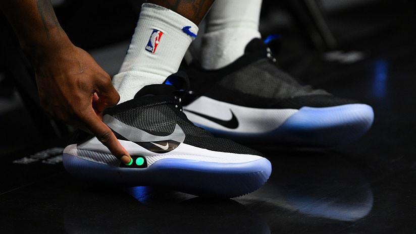 Cómo enlazar los cordones de unos Nike