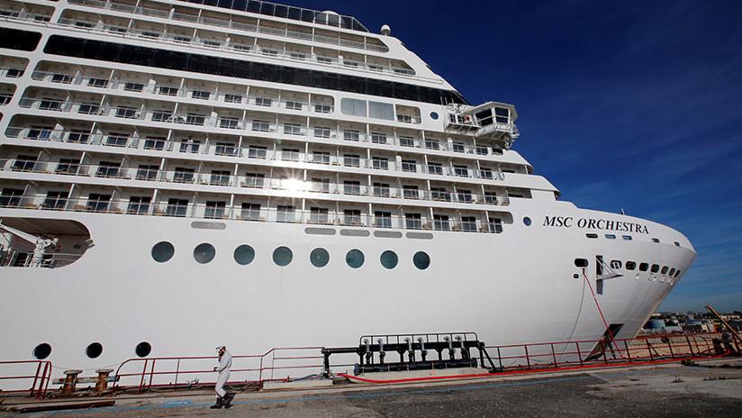VIDEO: Dos cruceros pertenecientes a la misma compañía chocan en un puerto de Argentina