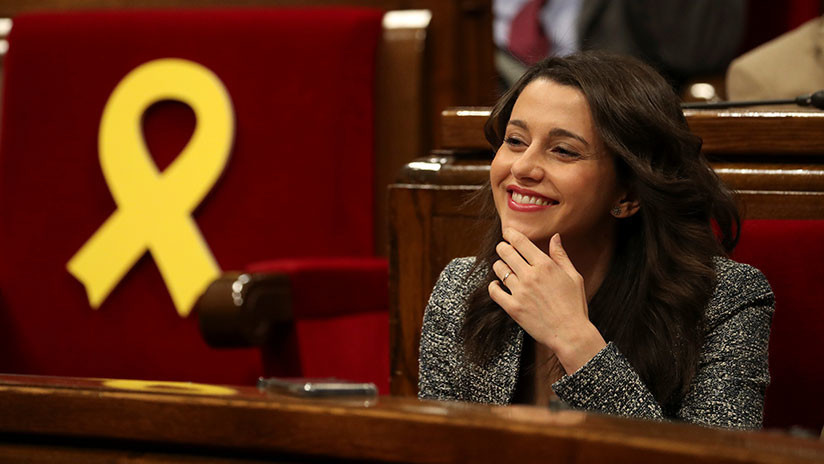 """La líder de la oposición en Cataluña irá a Waterloo a decirle a Puigdemont que """"la República no existe"""""""