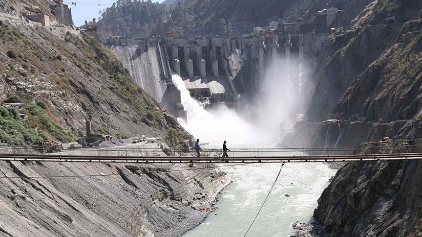 ¿Guerra del agua?: India amenaza con desviar el flujo de 3 ríos que corren hacia Pakistán