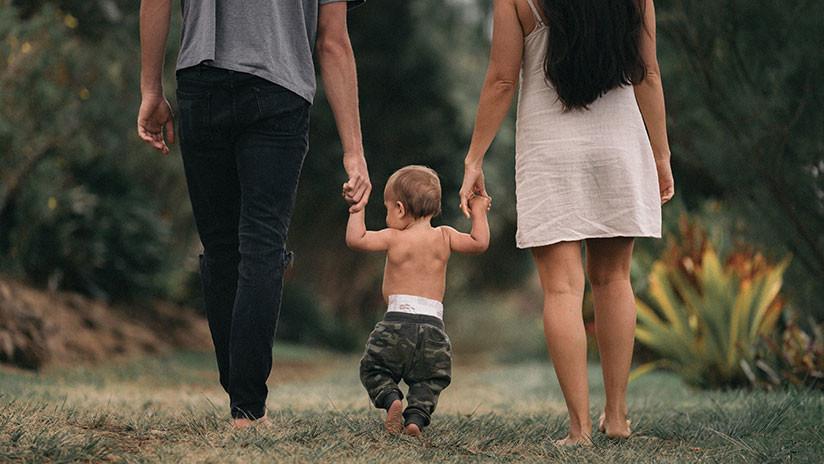 El Gobierno de España iguala el permiso de paternidad al de maternidad (con derecho a la licencia de lactancia)