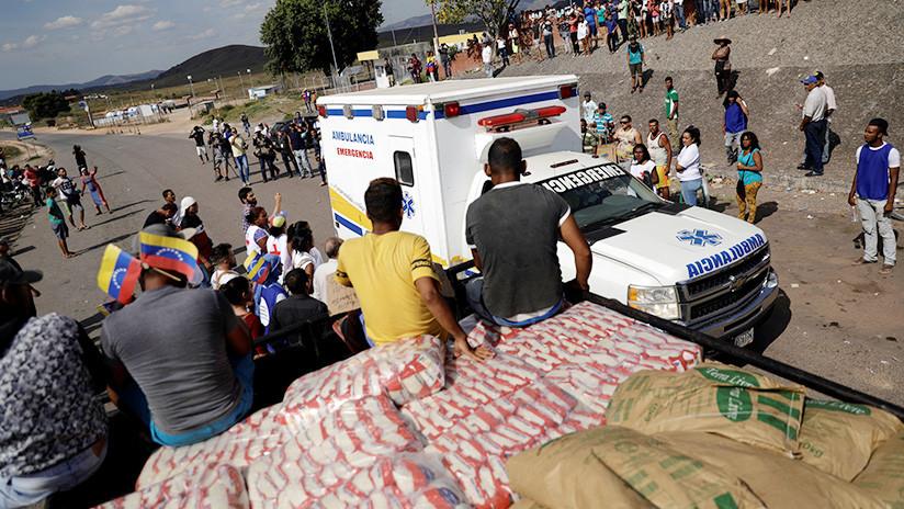 """Al menos 10 heridos al arder un camión con """"ayuda humanitaria"""" en la frontera entre Venezuela y Colombia"""