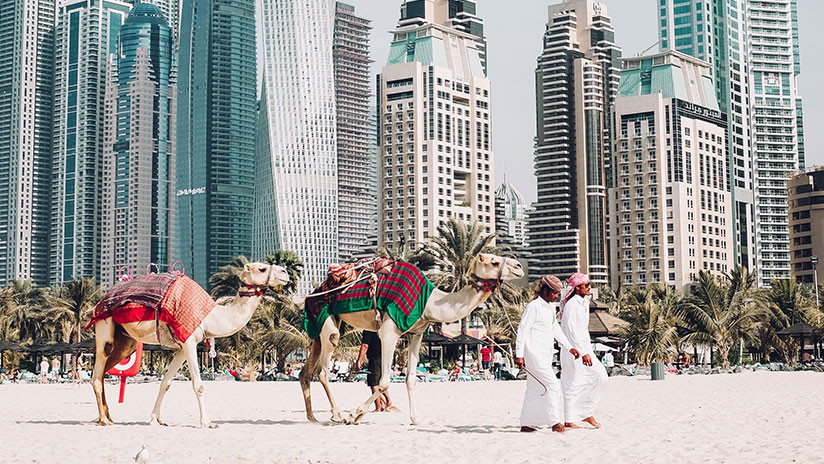 Emiratos Árabes Unidos perdona a sus ciudadanos casi 100 millones de dólares de deuda