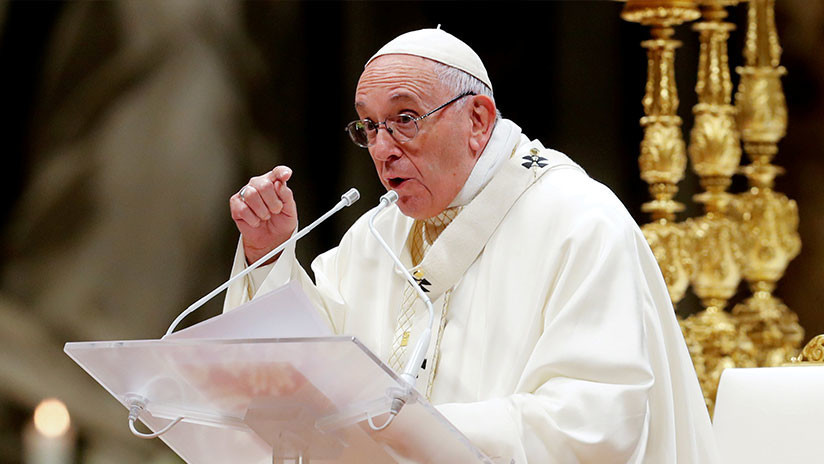 El papa compara los abusos sexuales a menores con el sacrificio de seres humanos