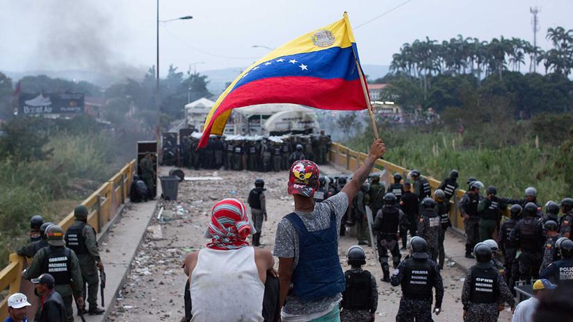 La jornada de tensión en la frontera entre Venezuela y Colombia, en imágenes