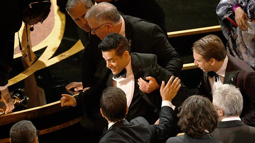 FOTOS: Rami Malek protagoniza una aparatosa caída tras ganar el Óscar al mejor actor