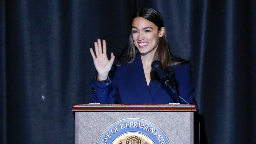 La congresista más joven de EE.UU. se convierte en superheroína en un nuevo cómic