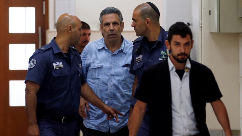 Condenan a 11 años de cárcel a un exministro israelí por espiar para Irán
