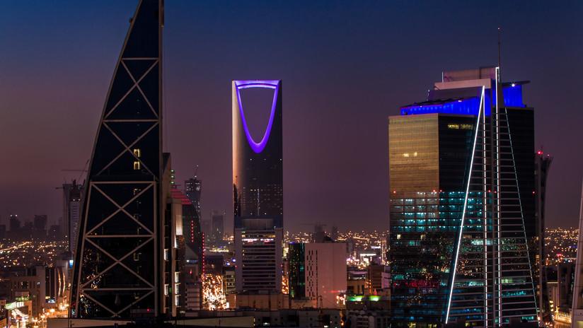 Un caso más: Saudita de 14 años falsifica documentos para huir de su familia tras denunciar abusos y amenazas de muerte