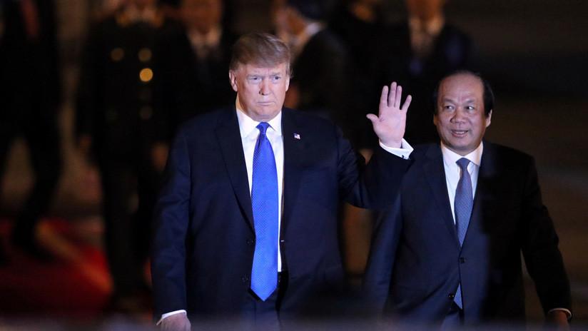 """Trump tras llegar a Vietnam: """"¡Hay enormes multitudes y tanto amor por acá!"""""""