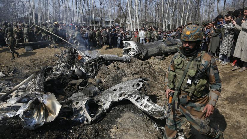 PRIMERAS IMÁGENES: Helicóptero de la Fuerza Aérea India se estrella en Cachemira dejando tres muertos