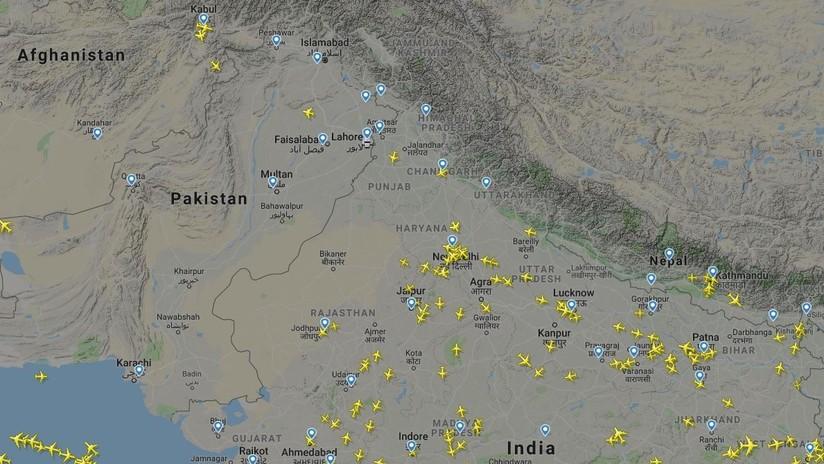 Pakistán cierra su espacio aéreo a todos los vuelos comerciales en medio de la escalada de tensiones con la India