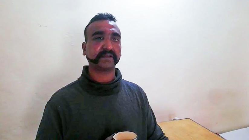 VIDEO: Piloto indio derribado por el Ejército pakistaní agradece haber sido capturado por los militares cuando una turba le daba una paliza