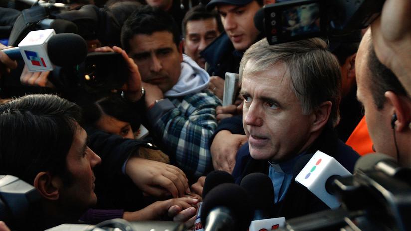 Un cura condenado por abuso en Argentina se niega a una extracción de ADN