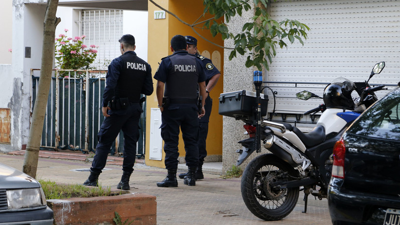 VIDEO: Un hombre espanta a puñetazos a dos ladrones armados que intentaron robar su casa