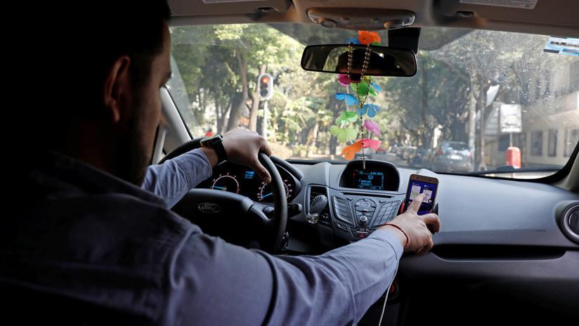 FOTO: Un conductor de Uber ofrece a sus pasajeros un 'menú de viajes' y enloquece a las redes sociales