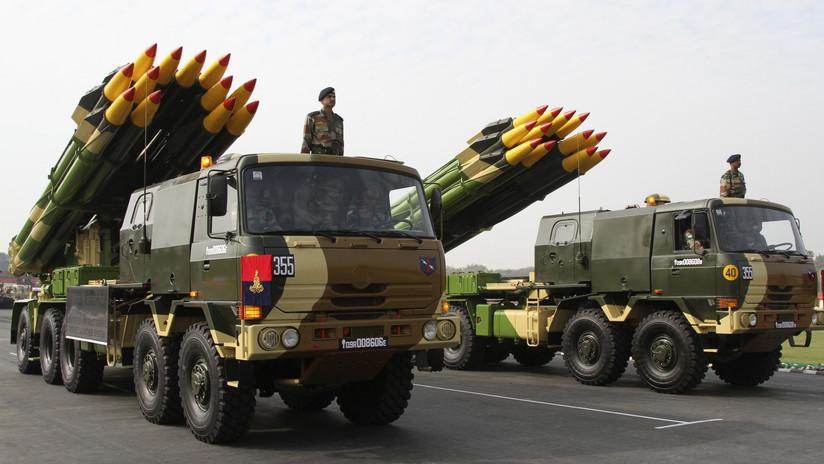 India confirma la caída de bombas pakistaníes en complejos militares y pone a sus fuerzas en estado de alerta