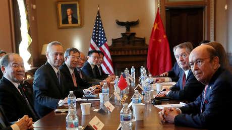 Delegaciones de China y EE.UU. durante las negociaciones comerciales en la Casa Blanca, 30 de enero de 2019.