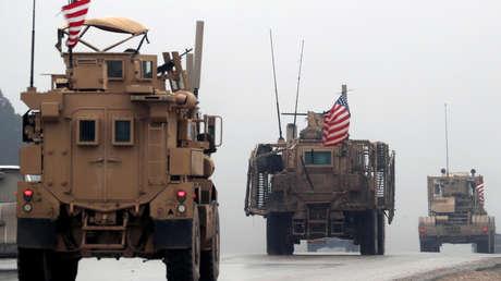 Vehículos militares de EE. UU. en la ciudad de Manbij, en el norte de Siria, 30 de diciembre de 2018