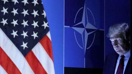 El presidente de EE.UU., Donald Trump, llega a una conferencia de prensa tras participar en una cumbre de la OTAN en Bruselas (Bélgica), 12 de julio de 2018.