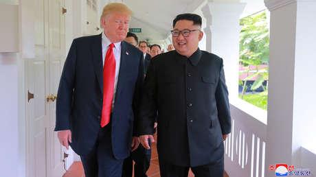 Donald Trump y Kim Jong-un en la isla de Sentosa, Singapur. Imagen difundida el 12 de junio de 2018.