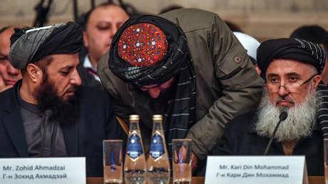 Asistentes a la apertura de las conversaciones entre talibanes y afganos en Moscú, el 5 de febrero de 2019.