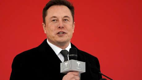 Elon Musk en la fábrica de Tesla en Shanghái, China, el 7 de enero de 2019.
